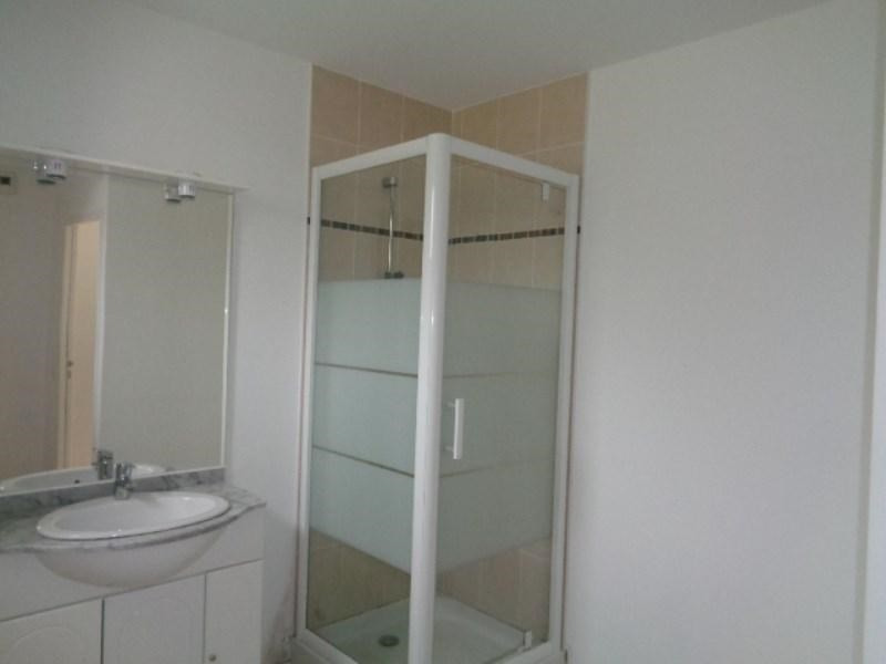 Location appartement Sainte luce sur loire 584€ CC - Photo 5