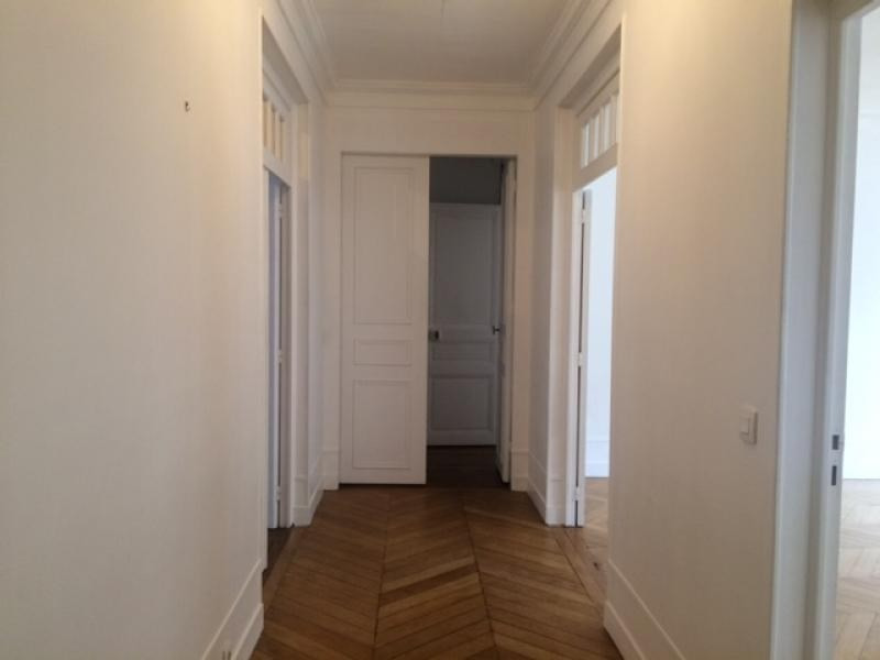 Location appartement Paris 17ème 3 990€ CC - Photo 5