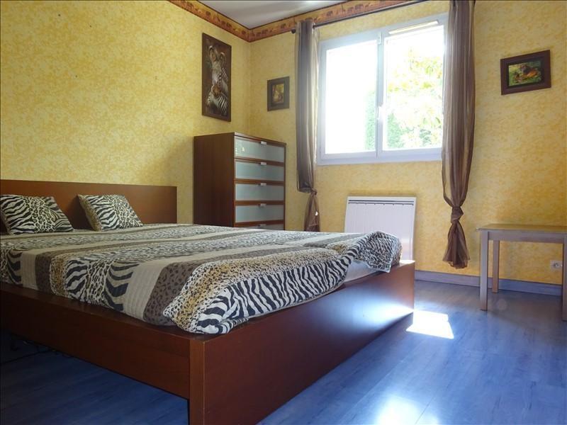 Sale house / villa St genis laval 379000€ - Picture 7