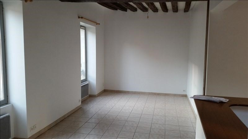 Rental apartment Auxerre 448€ CC - Picture 1