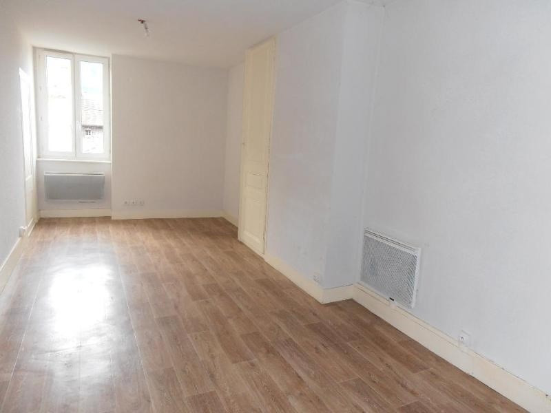 Location appartement Nantua 361€ CC - Photo 1