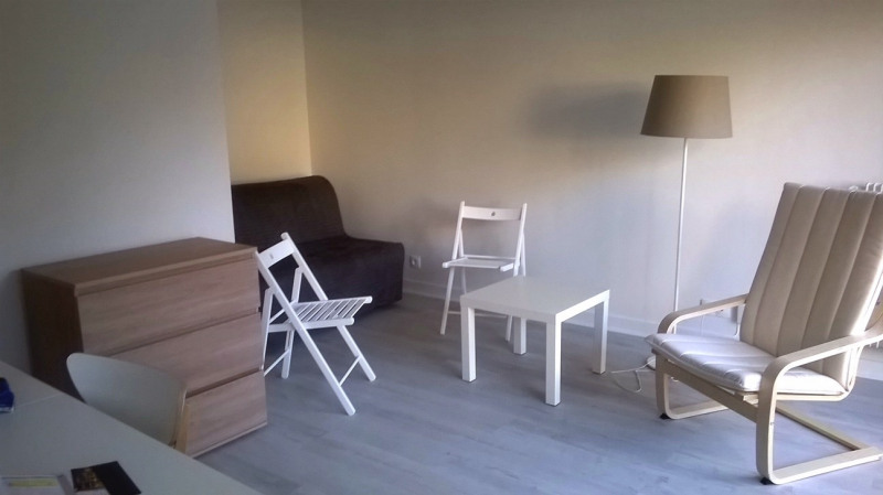 Location appartement Paris 19ème 890€ CC - Photo 2