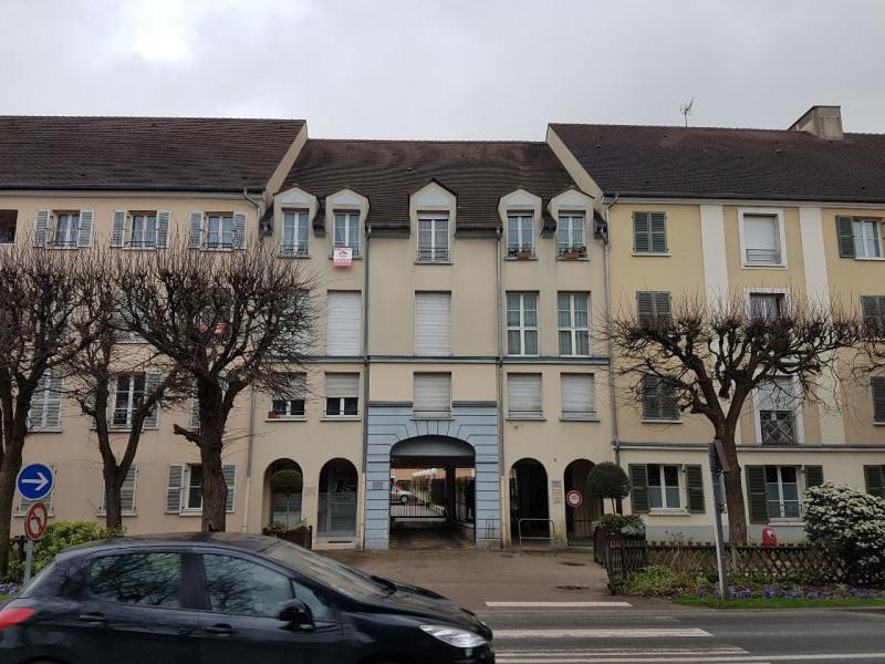 Sale apartment Brie comte robert  - Picture 1