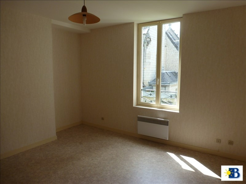 Location appartement Chatellerault 345€ CC - Photo 4