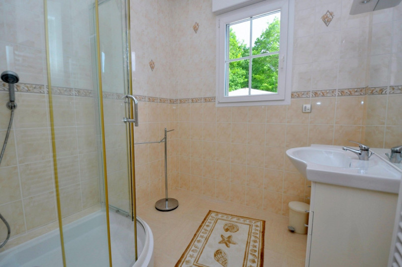 Sale house / villa St remy les chevreuse 720 000€ - Picture 15