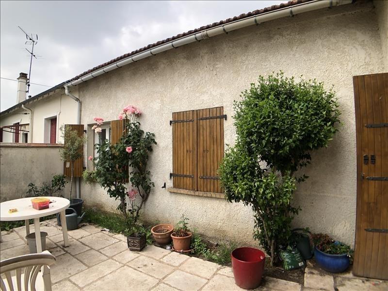 Sale house / villa Beauchamp 195000€ - Picture 1