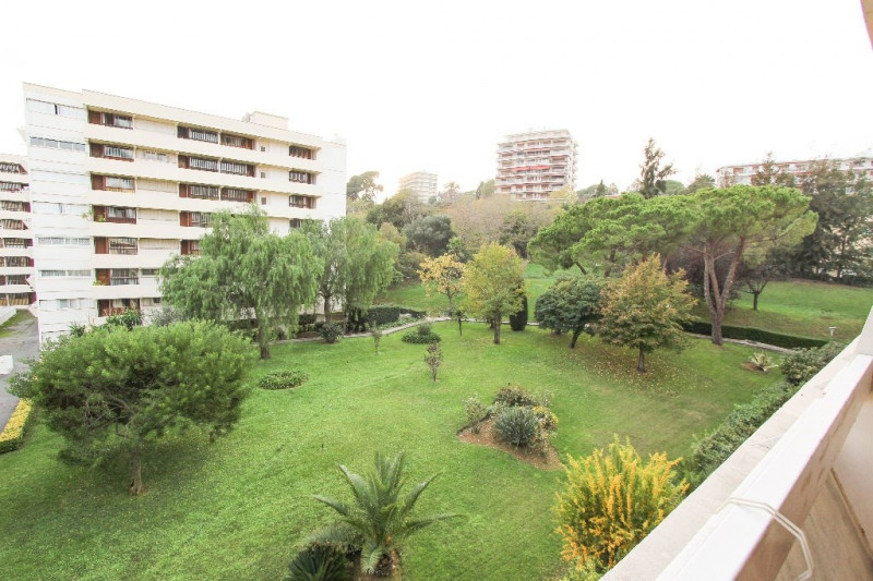 Sale apartment Antibes 242 000€ - Picture 1