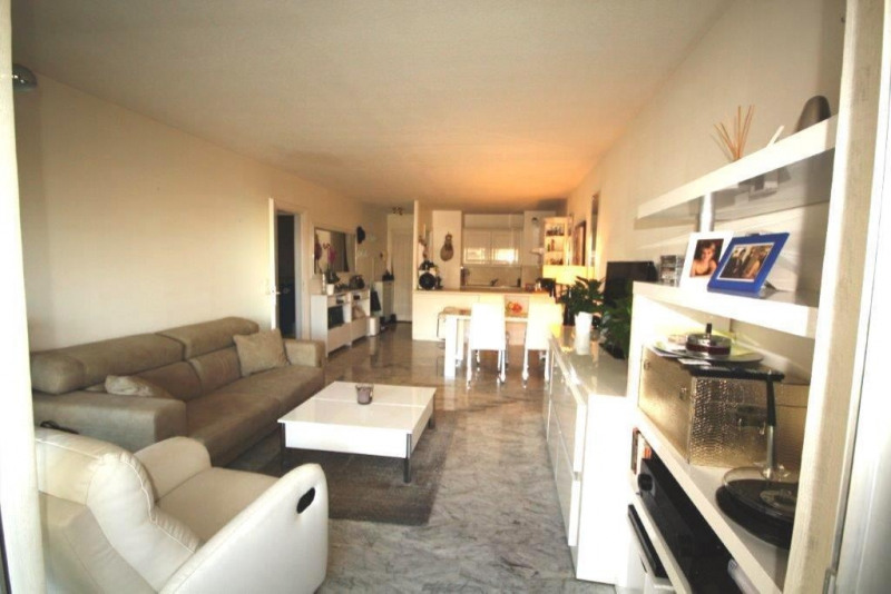 Sale apartment Juan les pins 309 000€ - Picture 2