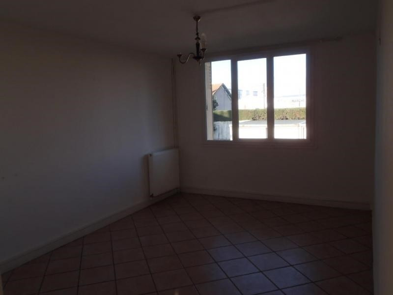 Rental apartment Montelimar 647€ CC - Picture 2