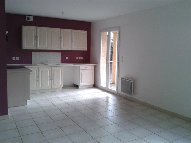 Location maison / villa St cyr sur le rhone 900€ CC - Photo 1