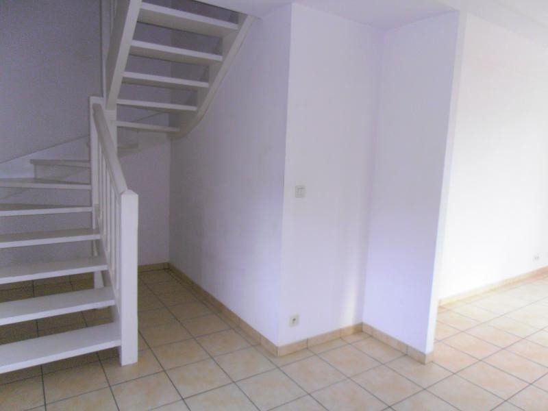 Location maison / villa Menditte 409€ CC - Photo 3