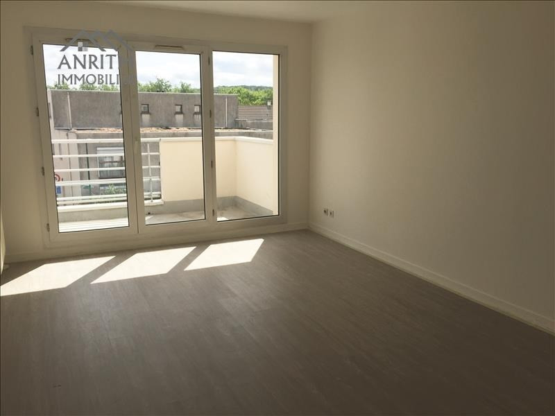 Rental apartment Plaisir 1100€ CC - Picture 2