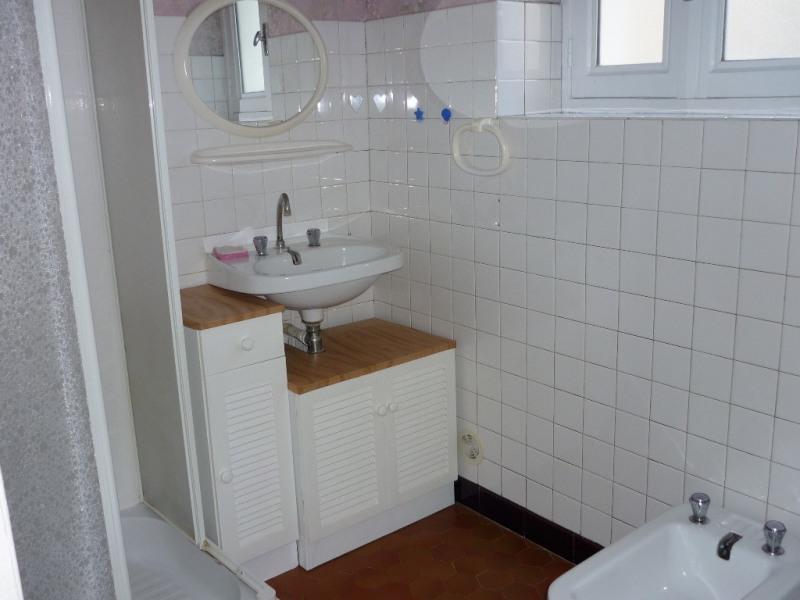 Location appartement Saint-étienne-de-fontbellon 497€ CC - Photo 5
