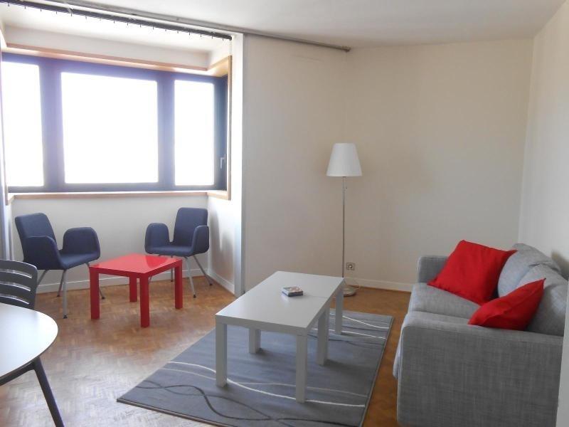 Location appartement Lyon 6ème 890€cc - Photo 3