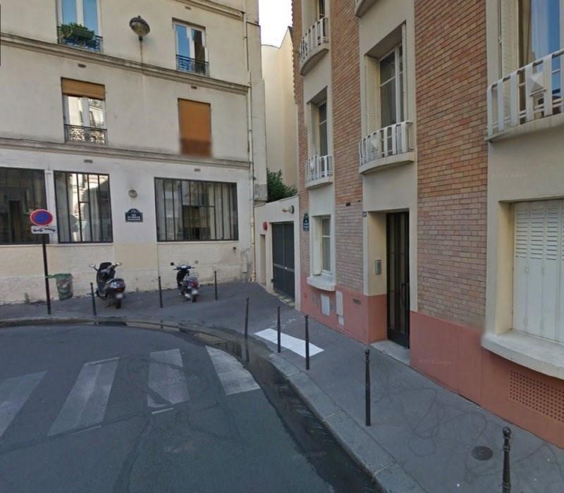 Rental parking spaces Paris 11ème 110€ CC - Picture 1