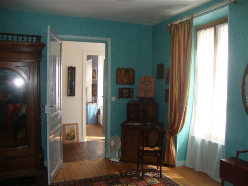 Sale house / villa Saint-jean-d'angély 327050€ - Picture 17