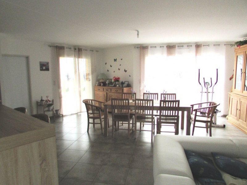 Vente maison / villa Aigre 195 000€ - Photo 4