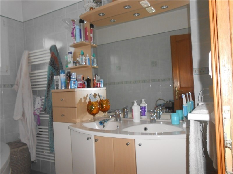 Sale house / villa Oyonnax 268000€ - Picture 4