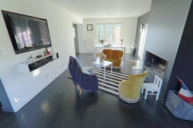 entourage maison maison vendre. Black Bedroom Furniture Sets. Home Design Ideas