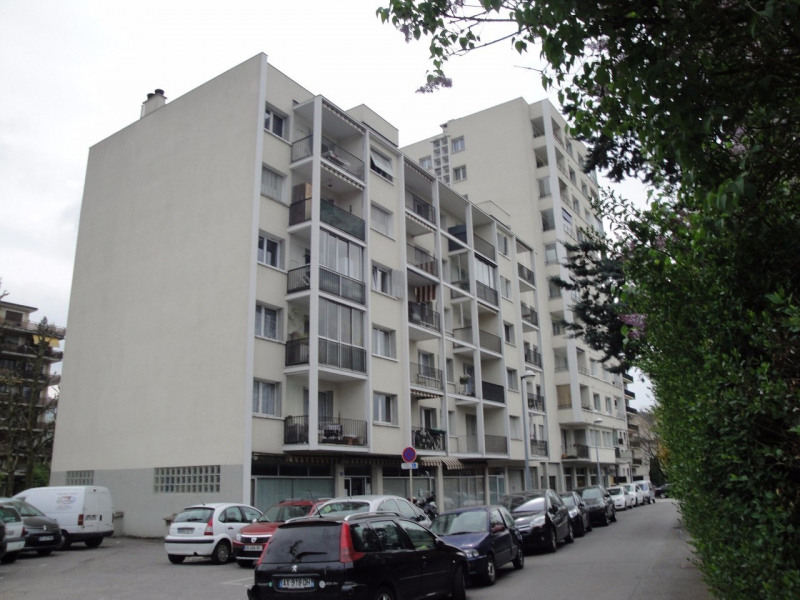 Sale apartment Annecy 212 000€ - Picture 1