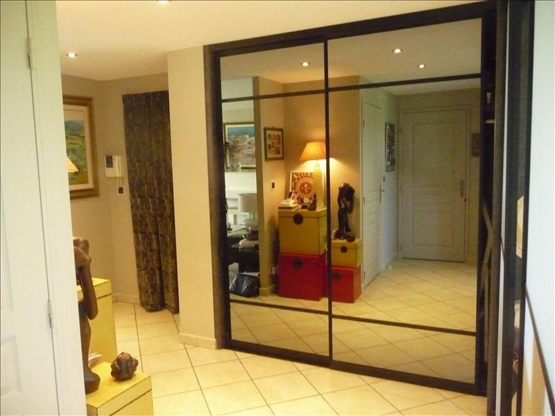 Vendita appartamento Charbonnieres les bains 396000€ - Fotografia 5