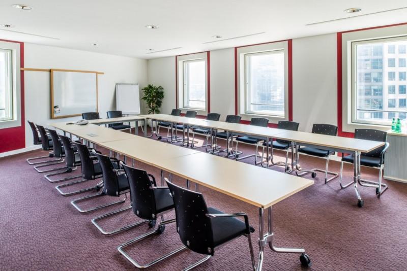 location bureau courbevoie hauts de seine 92 10 m r f rence n parislad fensetou1ws. Black Bedroom Furniture Sets. Home Design Ideas