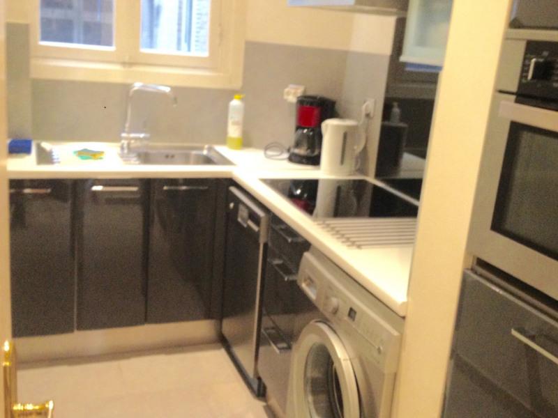 Rental apartment Paris 16ème 2499€ CC - Picture 3