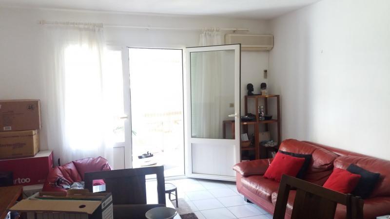 Sale apartment Ste clotilde 164000€ - Picture 2