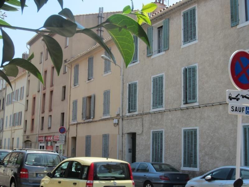 Location appartement Toulon 365€ CC - Photo 1