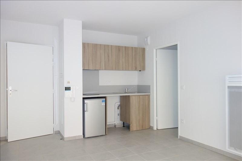 Verhuren  appartement Londe les maures 679€ CC - Foto 2