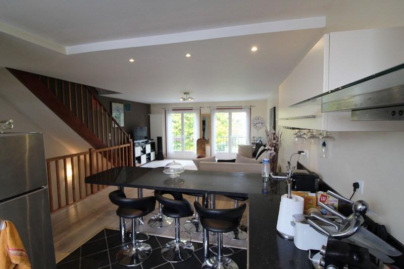 Sale house / villa Maurepas 283500€ - Picture 1