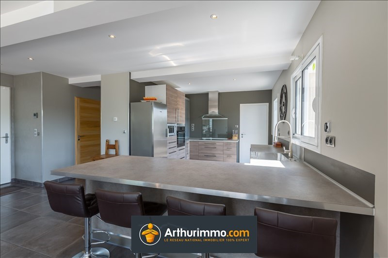 Sale house / villa Morestel 388500€ - Picture 4