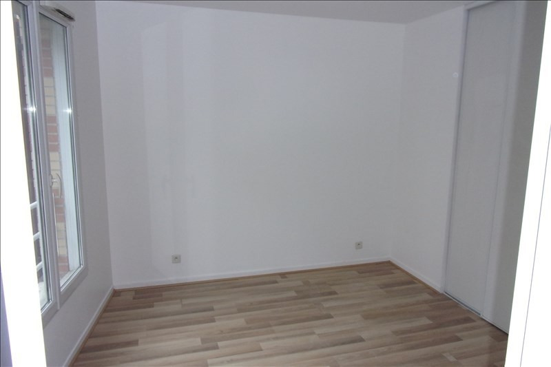 Rental apartment St denis 768€ CC - Picture 9