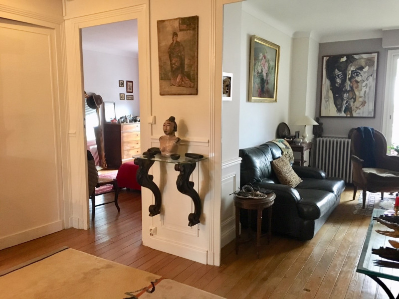 Sale apartment Bordeaux 348 000€ - Picture 2
