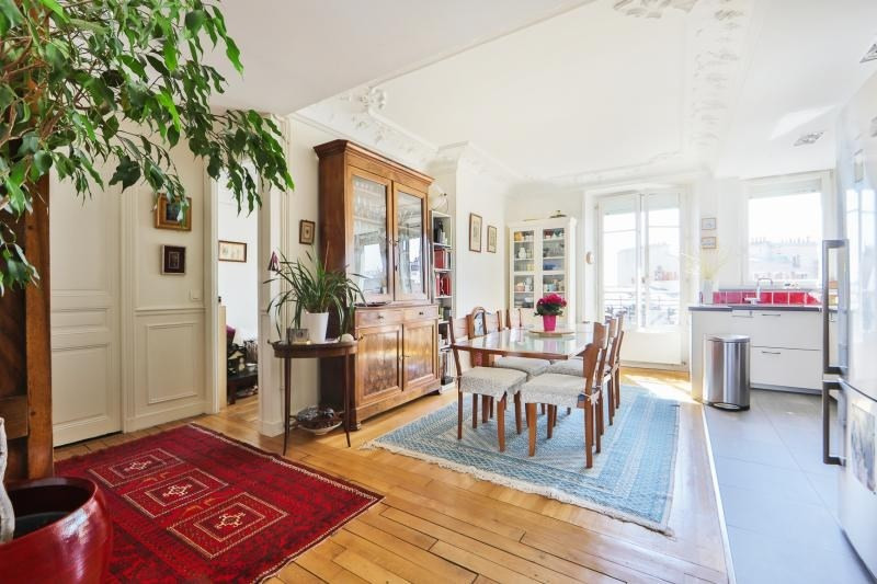 Deluxe sale apartment Paris 11ème 1 390 000€ - Picture 4