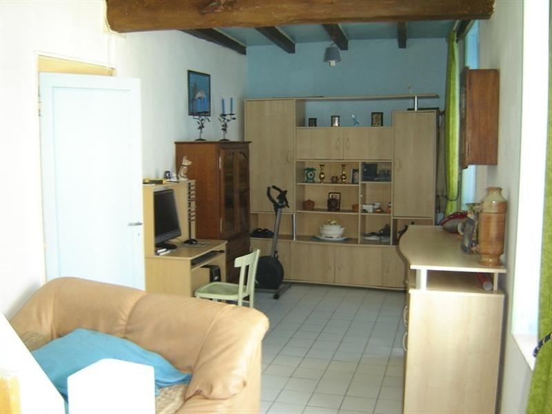 Sale house / villa Exterieur st jean d'angely 69875€ - Picture 2