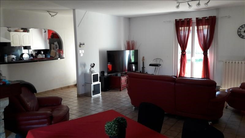 Vente maison / villa Commelle vernay 222 000€ - Photo 4