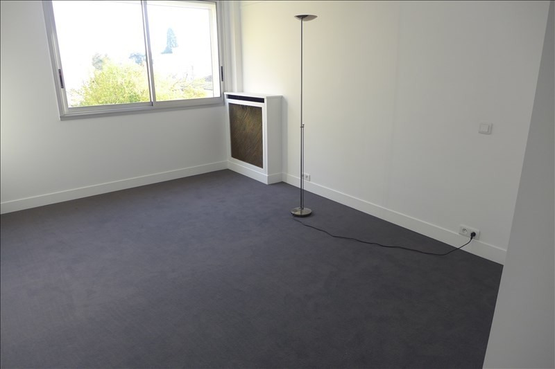 Location appartement Garches 1 750€ CC - Photo 8