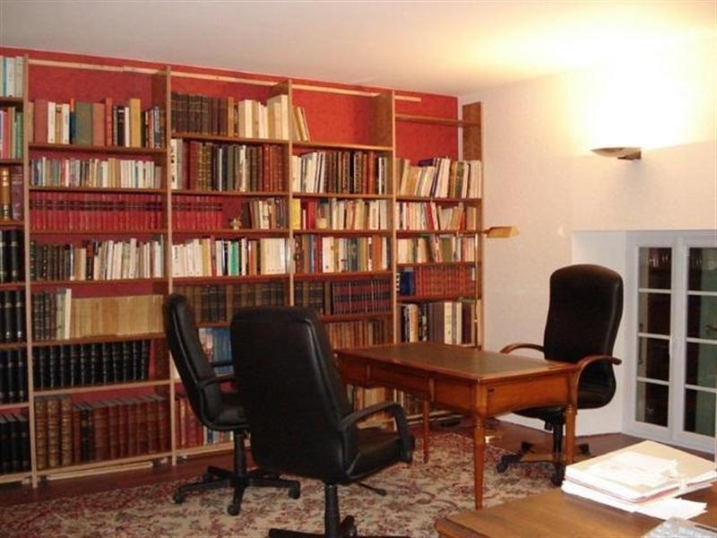 Sale house / villa Saint-jean-d'angély 299000€ - Picture 7