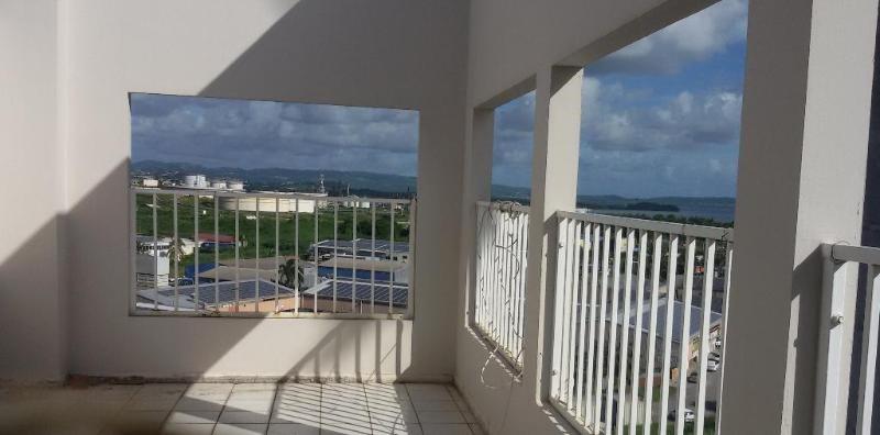 Sale apartment Fort de france 88000€ - Picture 2
