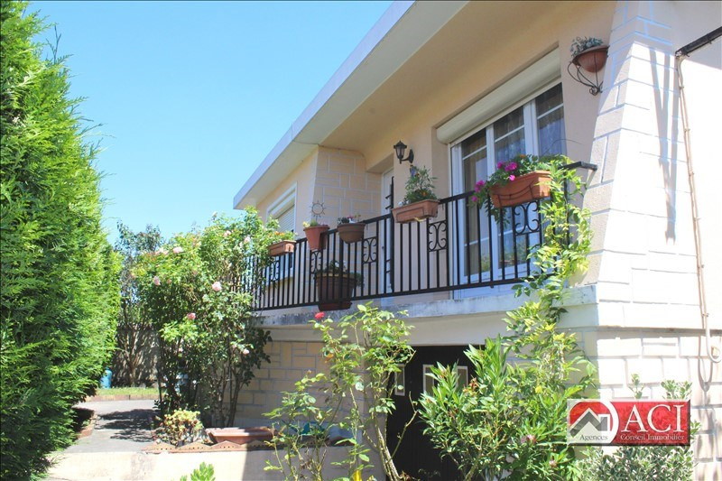 Sale house / villa Montmagny 304500€ - Picture 2