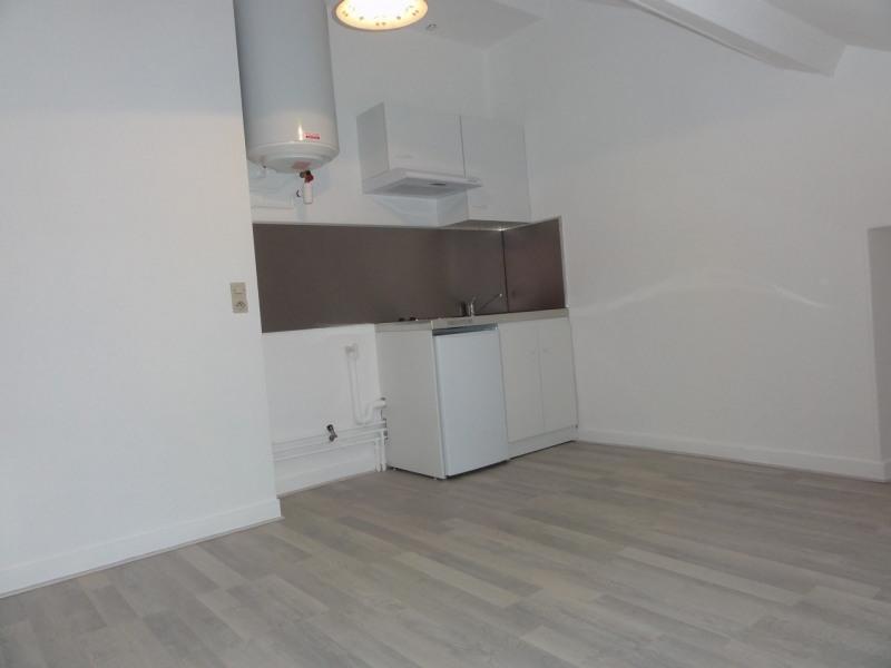 Location appartement Melun 550€ CC - Photo 2
