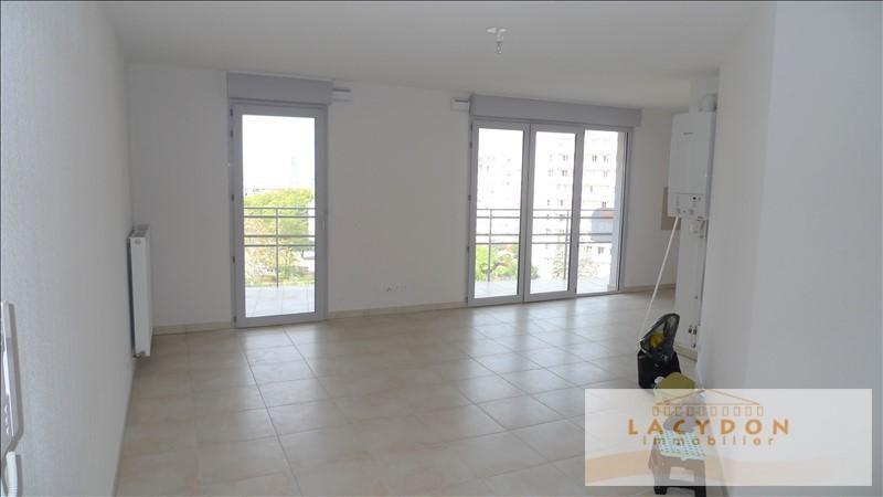 Location appartement Marseille 4ème 870€ CC - Photo 2