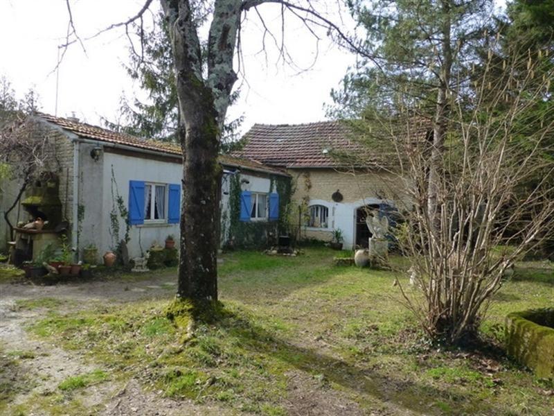 Sale house / villa Saint-jean-d'angély 137500€ - Picture 4