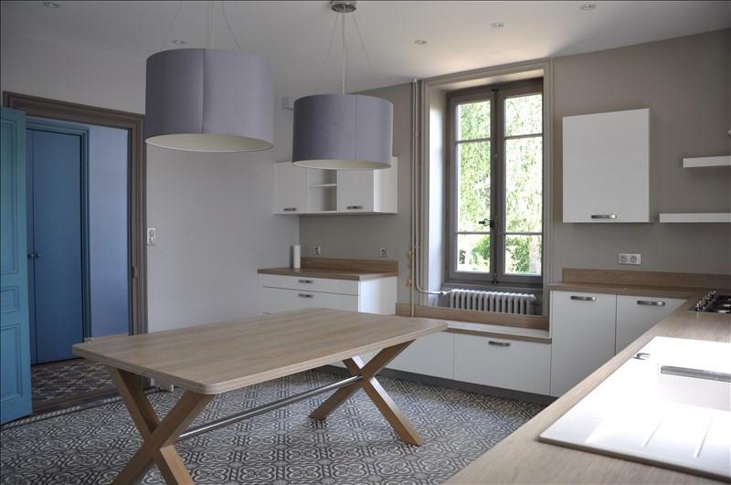 Sale house / villa Villefranche sur saone 490000€ - Picture 4