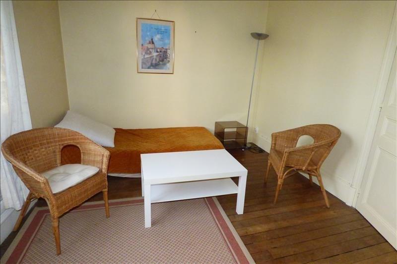 Location appartement Fontainebleau 750€ CC - Photo 1