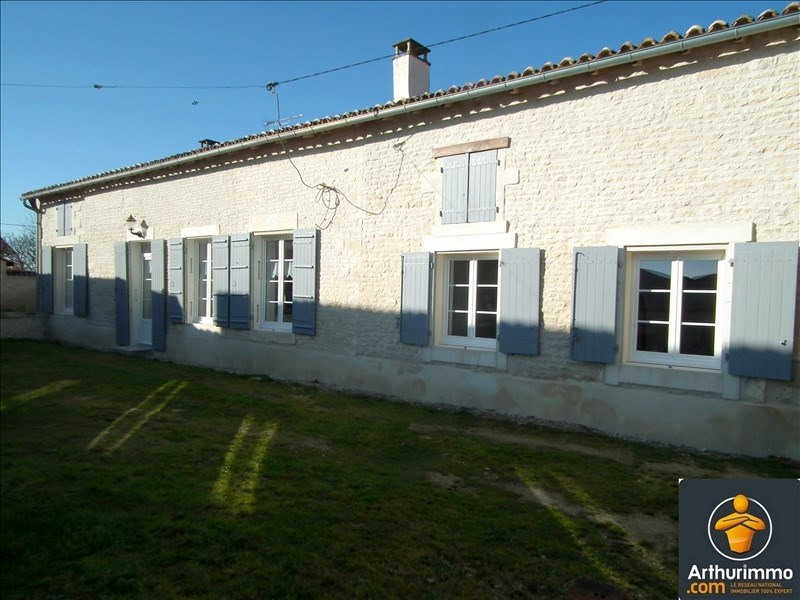 Sale house / villa Matha 133125€ - Picture 1