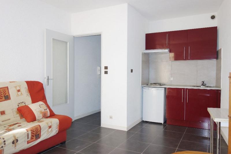 Rental apartment Toulon 350€ CC - Picture 1