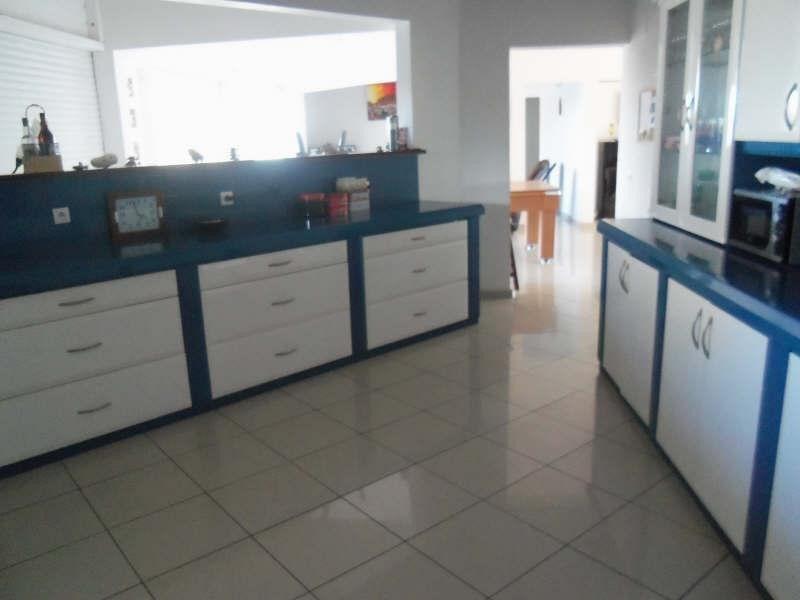 Deluxe sale house / villa Ste anne 580000€ - Picture 2