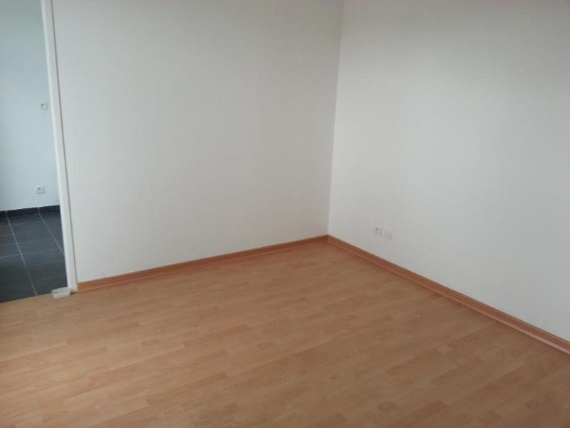 Rental apartment Francheville 735€ CC - Picture 2